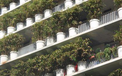 HET FRANSE BALKON, DE FLOWER TOWER VAN EDUARD FRANCOIS IN PARIJS